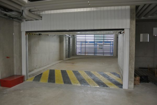 porte basculante automatique de parking-dvdindustries-grenoble
